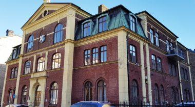 Luggude häradsrätt vid sin sista och omdiskuterade placering på Kaliforniegatan, på Söder i Helsingborg.